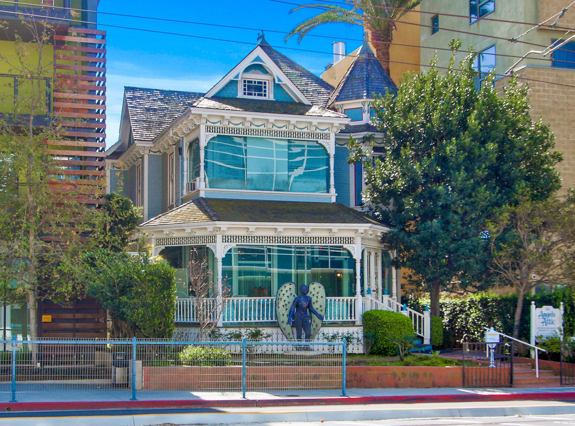 coldwell banker commercial westmac arranges 3 million sale of commercial property in santa. Black Bedroom Furniture Sets. Home Design Ideas