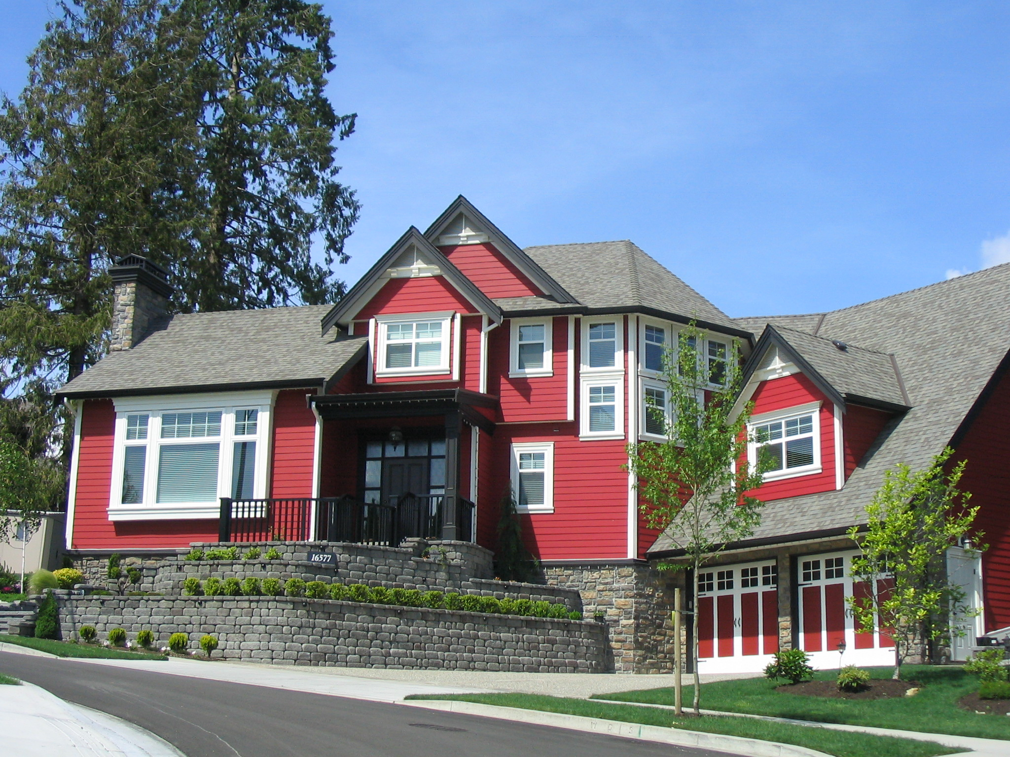 Five Ways To Enhance A Home Exterior During National Curb