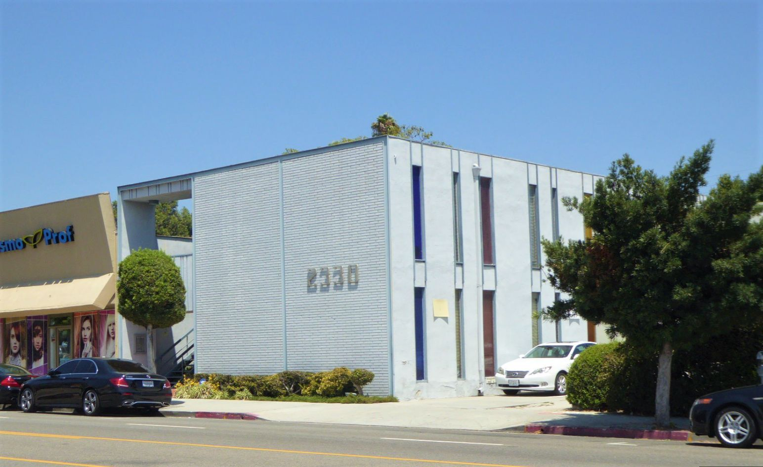 COLDWELL BANKER COMMERCIAL WESTMAC ARRANGES $2.3 MILLION SALE TO OWNER-USER IN WEST LOS ANGELES, CA