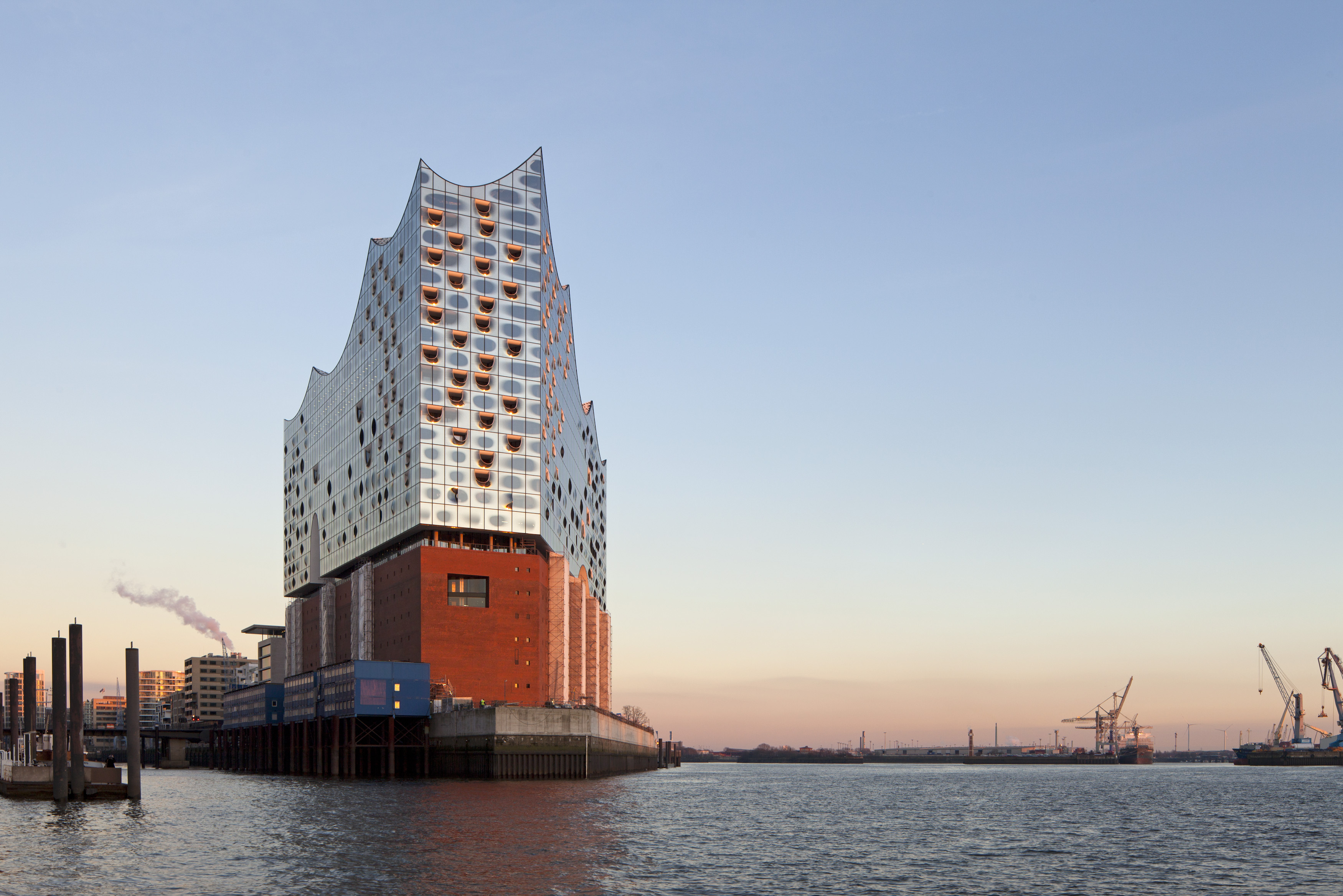 Elbphilharmonie Hamburg is giving away 1,000 tickets for the opening concerts