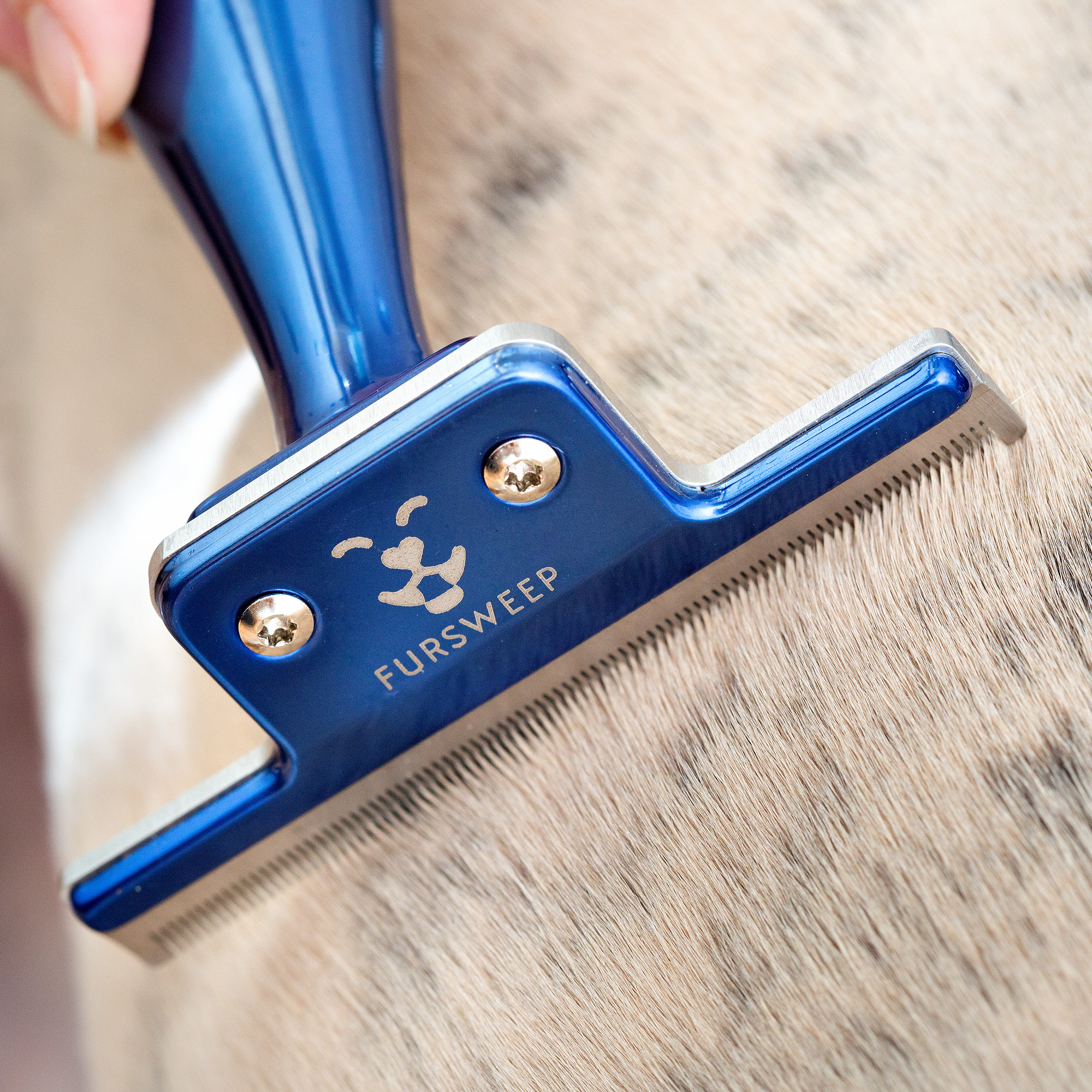 The professional grooming tool is designed for all animals and home pet care.
