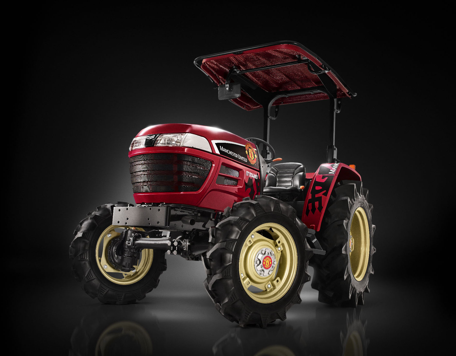 Yanmar Announces Sales of Tractors in Thailand in Collaboration with Manchester United